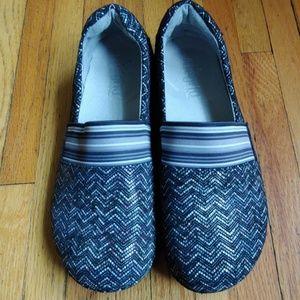 EUC Alegria PG lite slip-resistant shoes, size 39